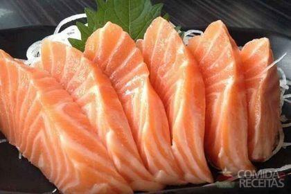 Receita de Sashimi de salmão especial em receitas de peixes, veja essa e outras receitas aqui!