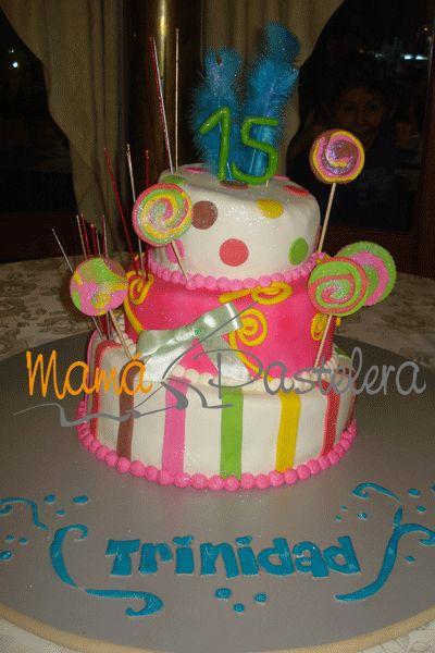Tortas 15 años coloridas