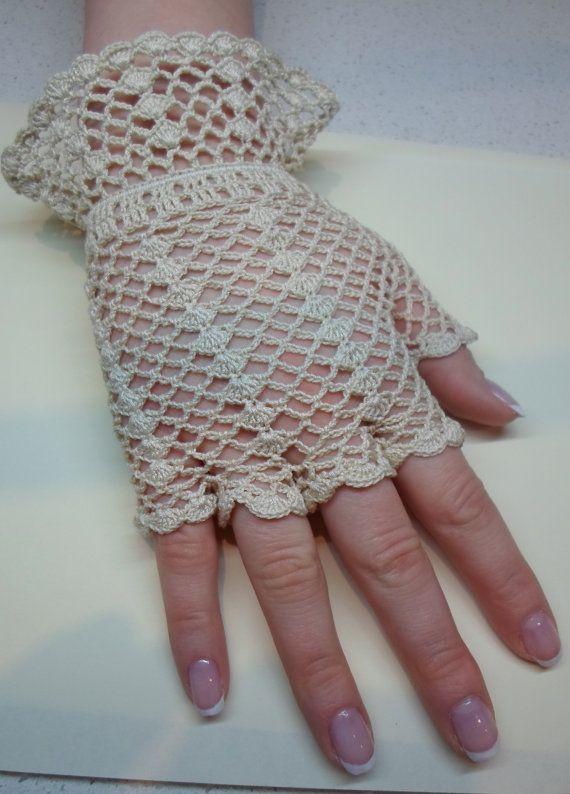 Vintage Style Crochet Lace Gloves beige by WillowFairyJewelry