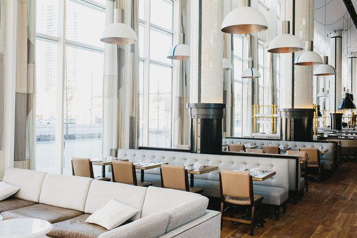 Designed by New York-based design studio Meyer Davis, the St. Cecilia bistro in Atlanta, Georgia is inspired by the warmth and comfort of Italian shores.