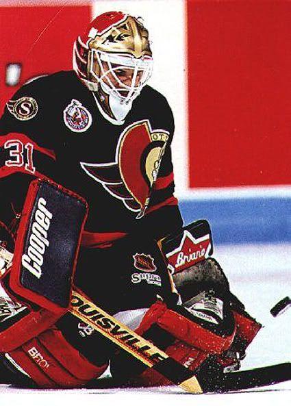 Ottawa Senators goalie Peter Sidorkiewicz rockin the Browns...as a good goalie should.
