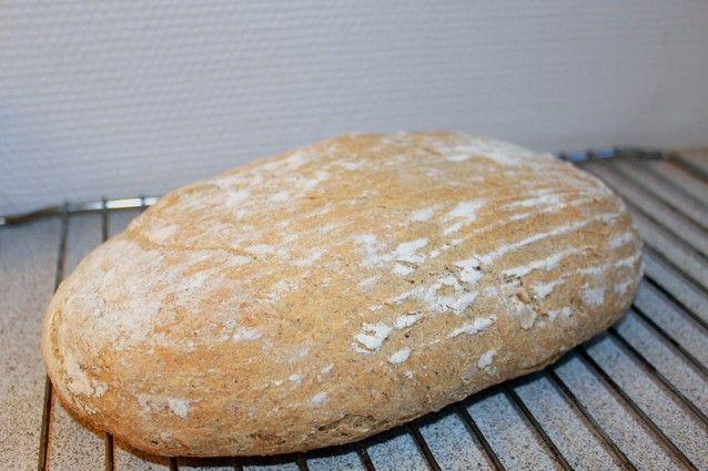 Franskbrød med cayennepeber og rugmel   http://froekenfoodie.dk/franskbroed-med-cayennepeber-og-rugmel/