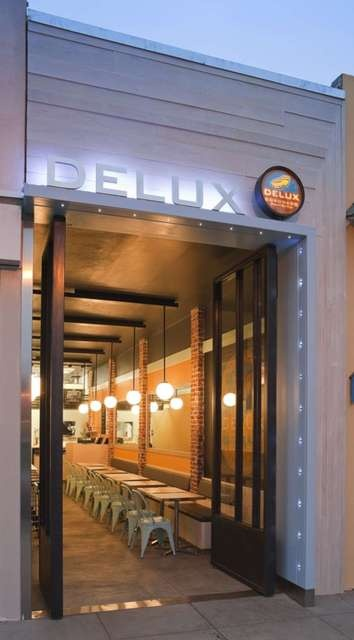 Delux Dogs - 943 Orange Ave - Coronado, CA