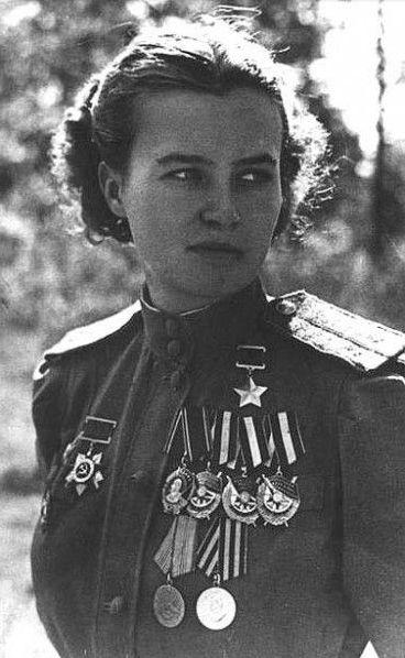 """Unidentified fotografo sovietica combattimento pilota Natalia Fedorovna Meklin, Uno dei """"Notte delle Streghe"""" (come queste donne erano conosciute dai nazisti) c.1944"""