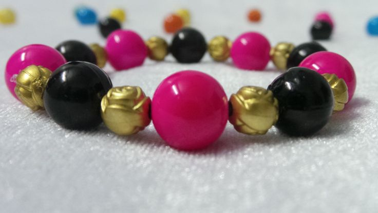 Stylish Pink and Black Bead Bracelet
