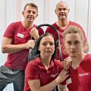 """+++ Frag den HYPOXI-Coach +++  """"Kann ich auch als Mann mit HYPOXI meine Rettungsringe angehen?"""" - Jens Bergau (im Bild links), Inhaber des HYPOXI-Studios im """"Figur Art"""" Timmendorfer Strand:"""