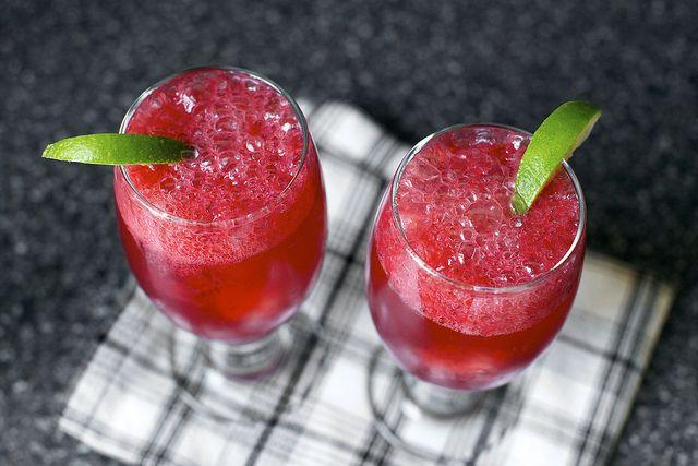 blackberry gin fizz (by smitten kitchen)