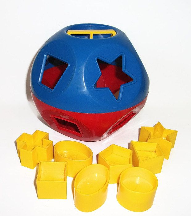 Vintage Tupperware Shape O Sorter Ball Toy Puzzle For