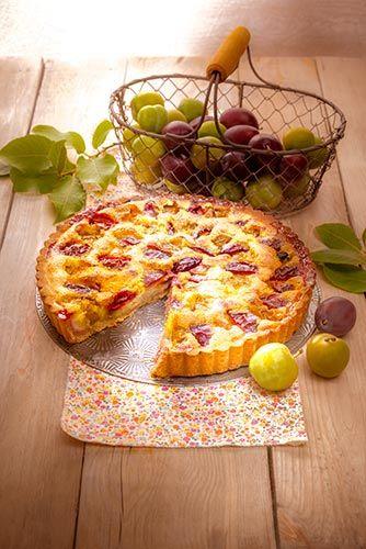 Tarte amandine aux prunes.  Idéal pour les goûter à partager en famille.  Retrouvez la recette ici : http://www.cuisinecompanion.moulinex.fr  #MarielysLorthios #Photographe #Culinaire