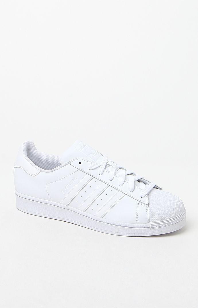 adidas White Superstar Foundation Shoes en 2020 | Zapatos ...