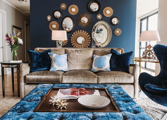 Ağır ve oturaklı bir oturma odası dekorasyonu. Fakat kibar ve elit duruşundan en ufak bir kaybı da yok  #dekorasyon #oturmaodası