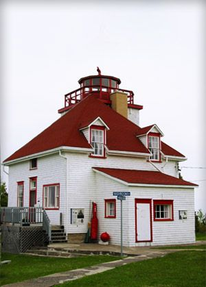 Cabot Head Lighthouse, ON