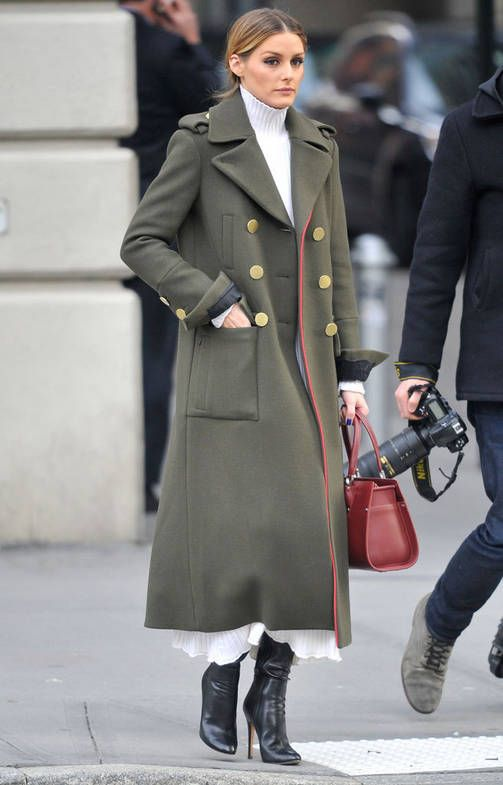 Poolomekko on talven helpoin vaate - kopioi Olivia Palermon tyyli