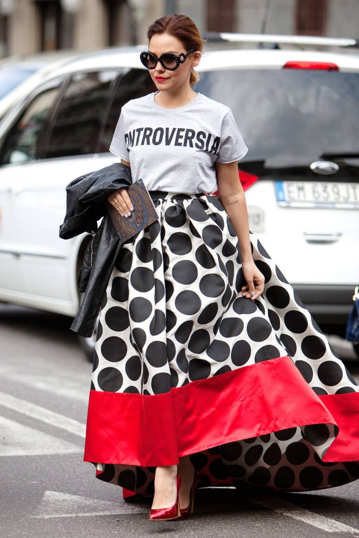 Again: a fantastic Maxi skirt put together with a Tee.... love.