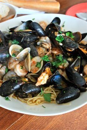 Seafood Recipes : Seafood Linguine Recipe