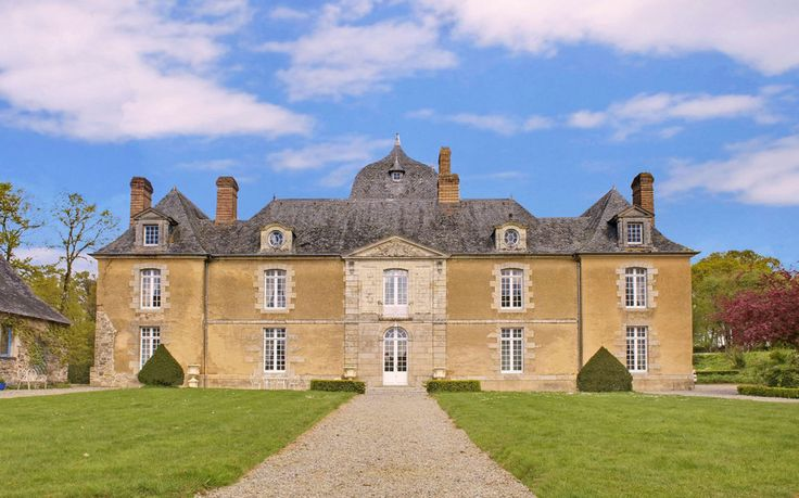 Brittanny Château - 10 Castle Stays Cheaper Than a Hotel Room | Brittanny Château - Poligné, Brittany, France