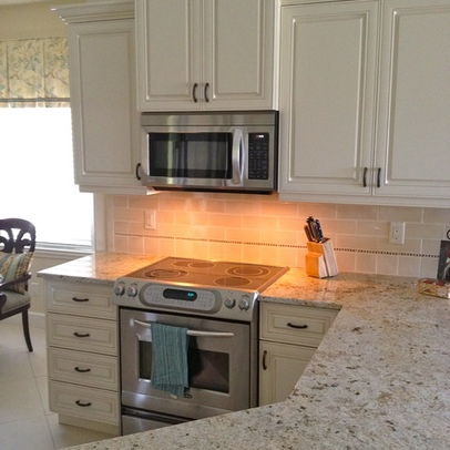 1000 images about ivory kitchen cabinets on pinterest for Ivory kitchen ideas