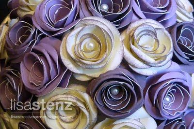 Lisa's Creative Corner: 3-D Flower Wreath with Video Tutorial #video - how to roll the flowers and attach to the wreath