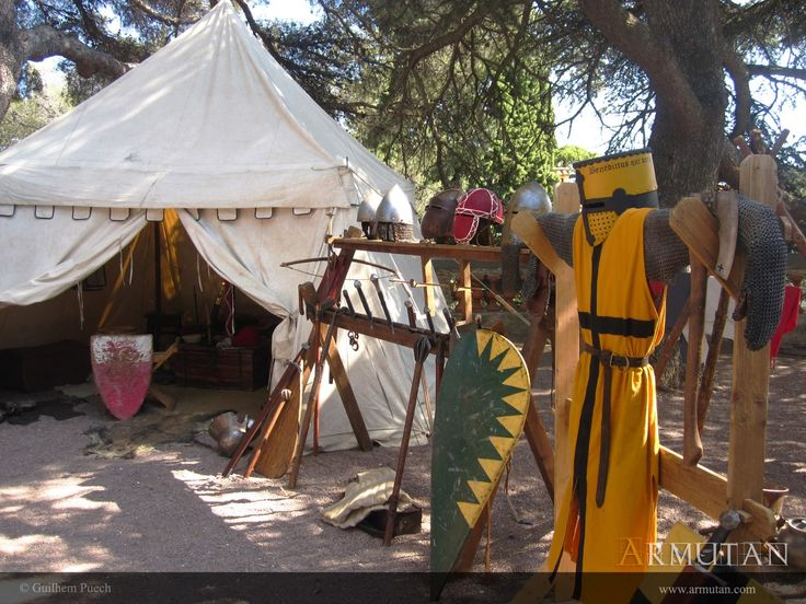 ©#armutan ©#guilhempuech #moyenage #armures #Harnois #campement #haubert #bouclier #guerredecentans