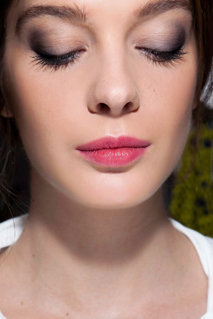 Pink Lipstick: What to Wear With the Bright Lip Color | Beauty High