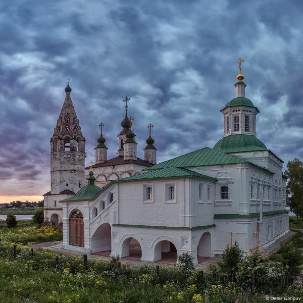 Eglise Saint-Serge de Radonège - Veliki Oustouig - Quartier de Dymkovo - Construite en 1747.