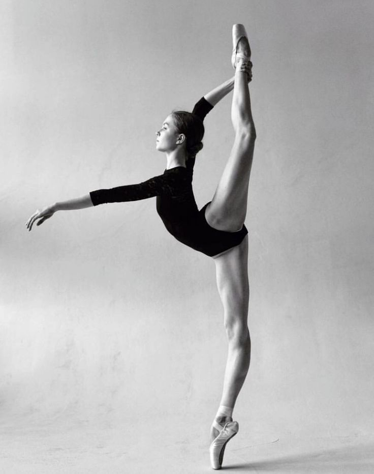 "passioneperladanza:  "" Valeria Lyakina  Bolshoi Ballet Academy   Daria Chenikova  """