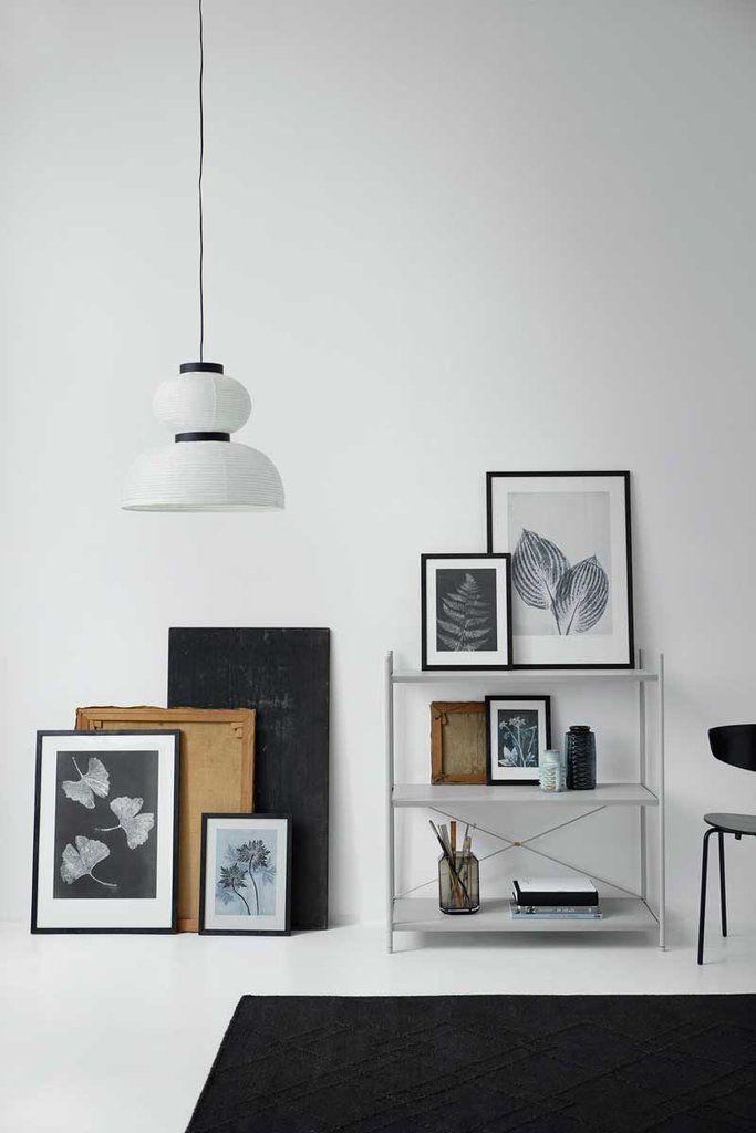 Toen we op zoek waren naar iets bijzonders om een slaapkamer sfeer te geven kwamen we het unieke werk van de Deense ontwerper Pernille Folcarelli tegen. Zij print haar ontwerpen op kaarten, posters...