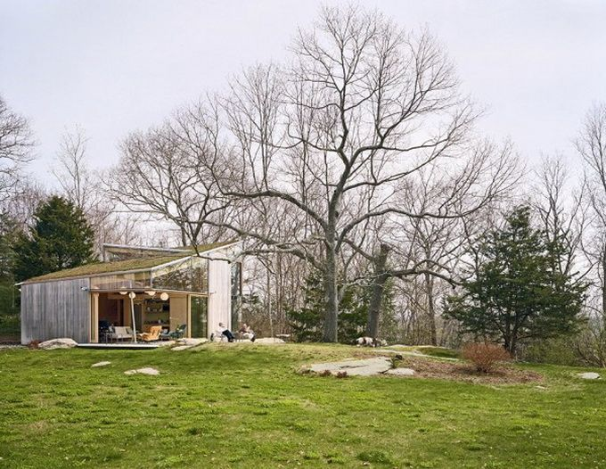 cottage-by-gray-organschi-architecture-01-600x758.jpg