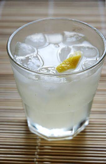 How To Make A Classic Tom Collins Cocktail