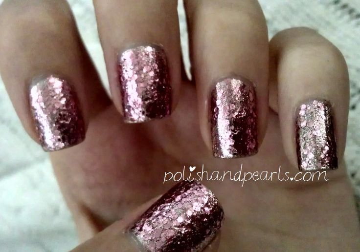 rose gold nails: Nails Art, Gold Glitter, Rose Gold Nails, Rosegold, Foil Nails, Manicures Nails, Glitter Nails, Gold Manicures, Gold Nails Polish