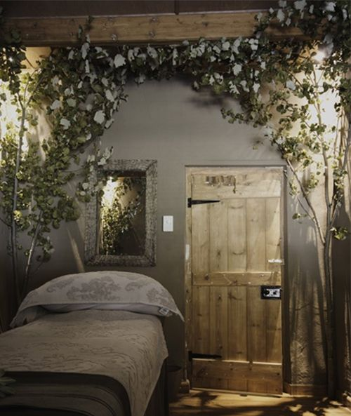 nature themed bedroom so cute