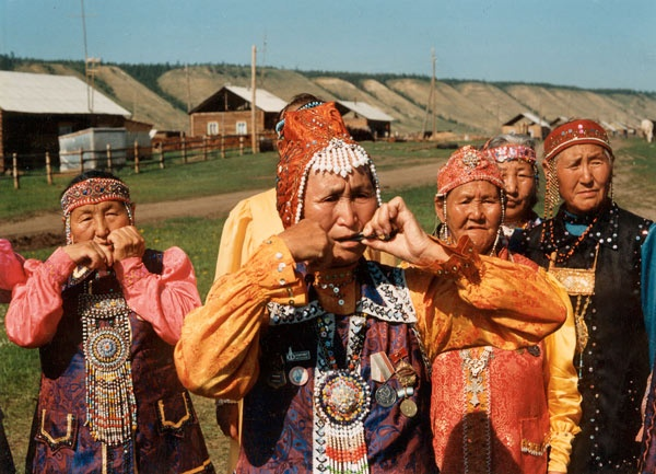 Hazara people of South West Asia are a large ethnic community of South and Central Asia , who are living mainly in Afghanistan and Pakistan and in a few number in Iran.