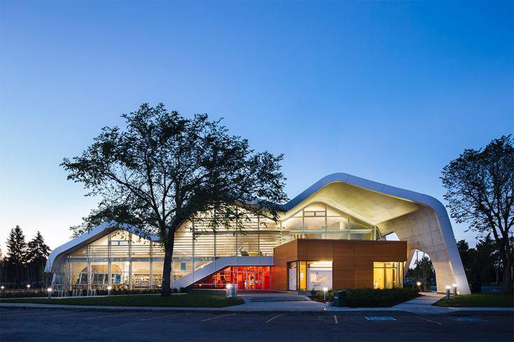 Edmonton Public Library Jasper Place Branch; Edmonton, Alta. (Hubert Kang)
