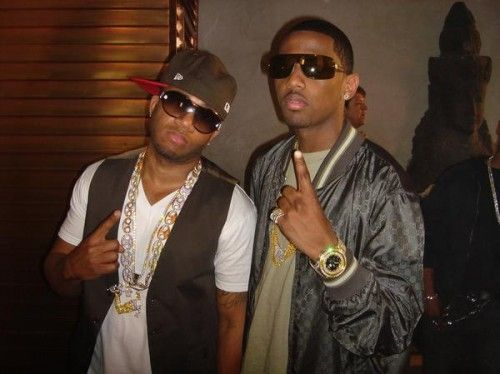 [Listen] Red Cafe (@RedCafe) – 'Pretty Gang' ft. Fabolous (@myfabolouslife) #Getmybuzzup- http://getmybuzzup.com/wp-content/uploads/2014/07/Red-Cafe-and-Fabolous-500x374.jpg- http://getmybuzzup.com/red-cafe-pretty-gang-ft-fabolous/- Red Cafe – 'Pretty Gang' ft. Fabolous By Amber B Red Cafe and Fabolous have collaborated on songs numerous times in the past so it doesn't hurt if we get to hear one more from the duo. Listen to the banger 'Pretty Gang' below.
