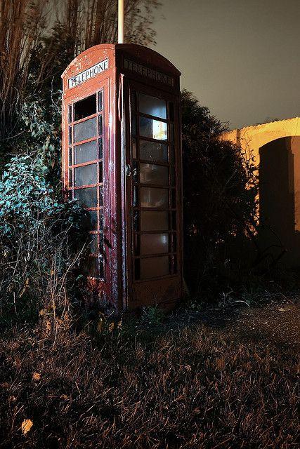 Derelict Telephone Box }-> repinned by www.BlickeDeeler.de