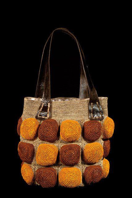 Lo♥e this crochet bag