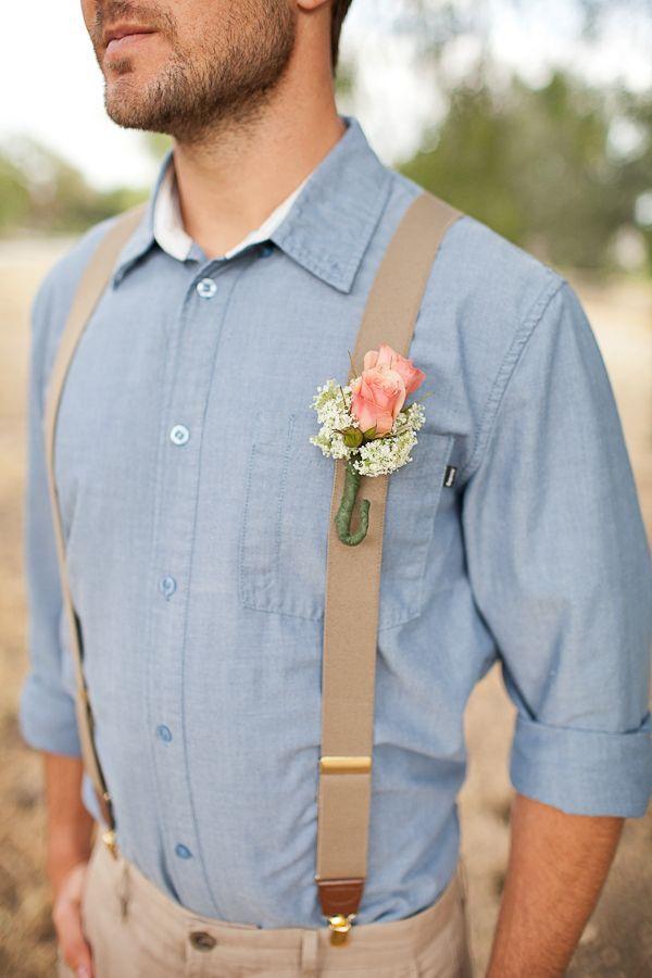 Southern wedding groom style. Love the blue shirt.  | www.mysweetengagement.com