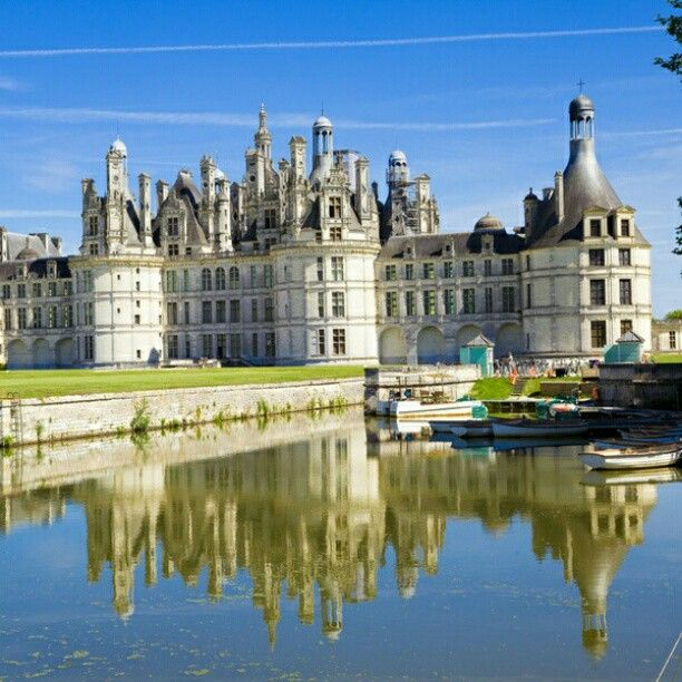 Chambord Castle, one of the most beautiful castles in Europe. http://instagram.com/p/XDmpHKhPXC/