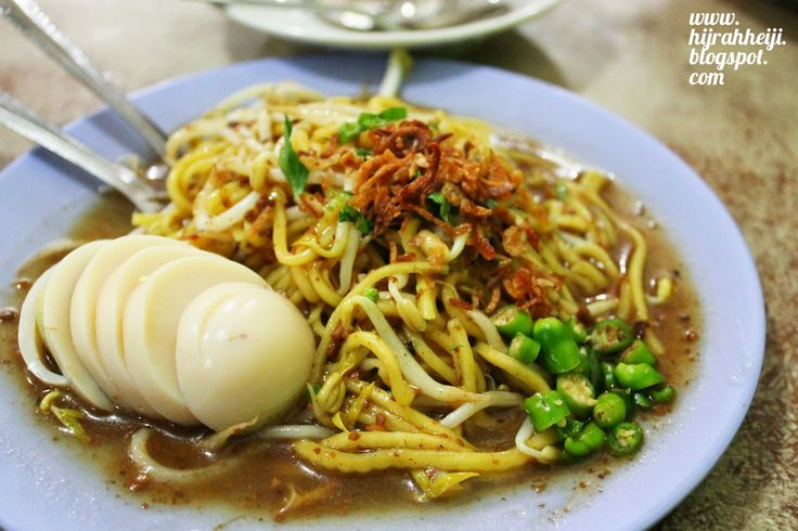 Mie lendir, a specialty noodle from Tanjung Pinang, Bintan Island