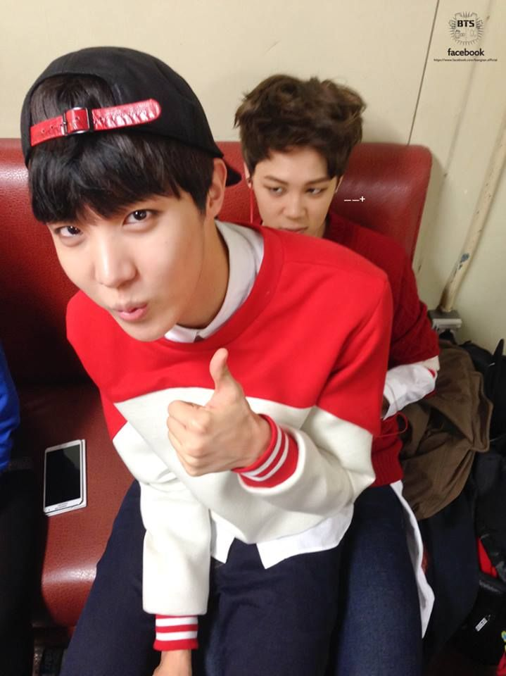 Cute Jhope Wallpaper Jimin Amp J Hope At Music Bank Backstage Lol Look At Jimin