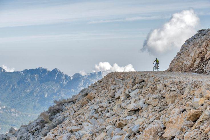 4-5-6 Kasım tarihlerinde Kemer'de gerçekleşen dağ bisikleti etkinliğinin en iyi anlarını izle!