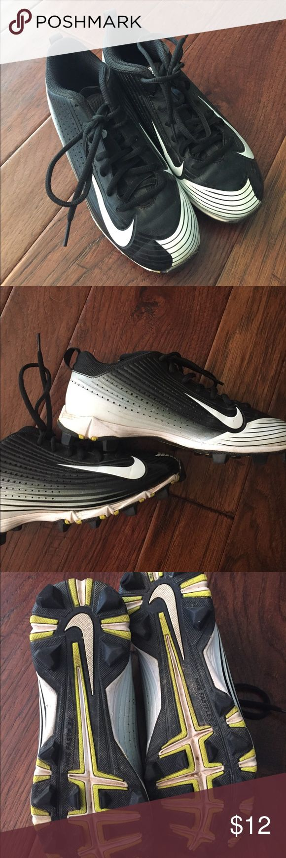 Nike Vapor Kids Cleats 4.5 Youth Cleats were used for one season. In excellent condition. Youth 4.5. Nike Shoes