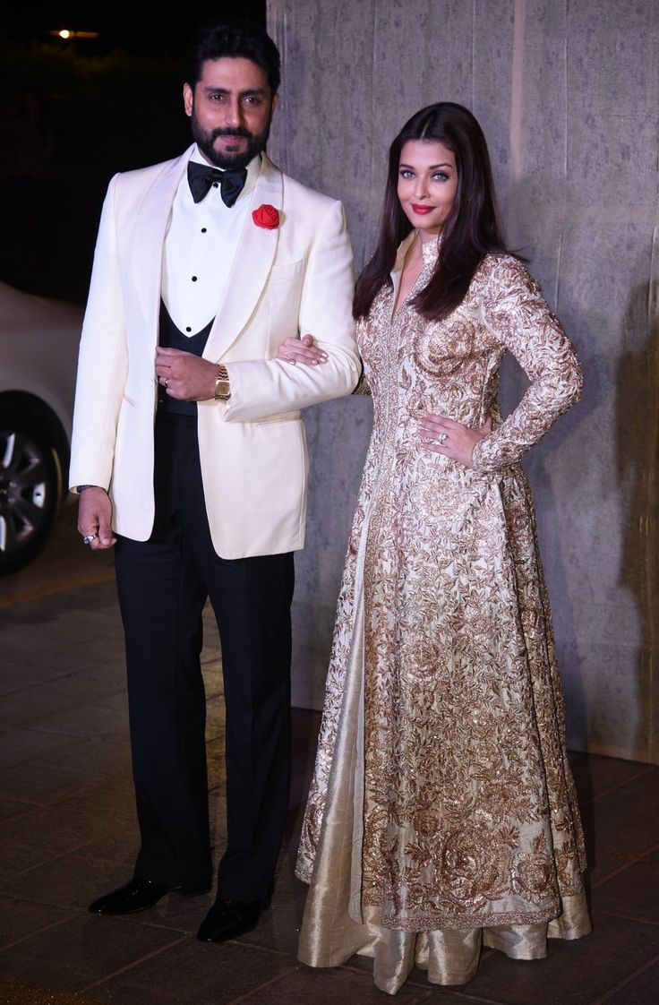#abhishekbachchan #aishwaryaraibachchan #goldnglamorous #manishmalhotra's50thbirthday