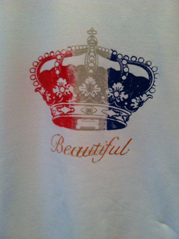 Super gaaf t-shirt, gemaakt door een meid van 11!!! Met het My Style sjabloon van Rayher, textielverf en een beetje tijd...
