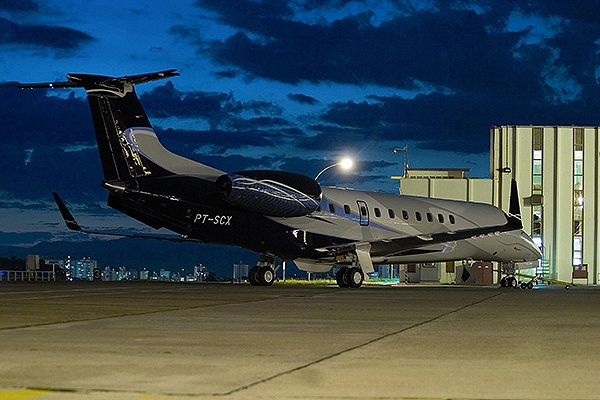Legacy 600 is a super midsize aircraft developed by Embraer. The aircraft entered into service in April 2002. It was first launched at the Farnborough Airshow in 2000. The first flight of the aircraft was completed in .... http://www.aerospace-technology.com/projects/embraer-legacy-600-executive-jet/