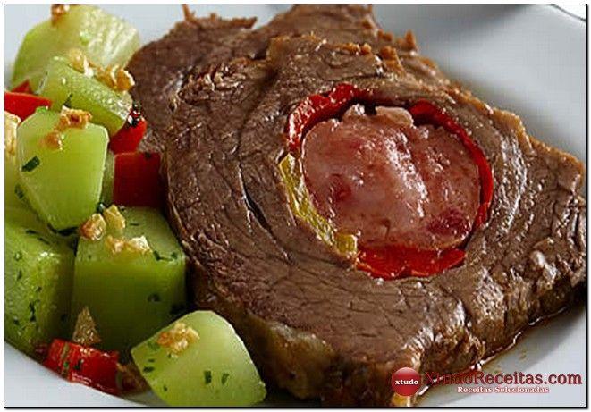 Receita de Fraldinha Recheada com Linguiça Aprenda com essa receita como fazer Fraldinha Recheada com Linguiça, deliciosa e fácil de preparar, para seu almoço em família, anote a receita de Fraldinha Recheada com Linguiça