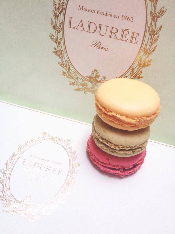 Let's get some #Laduree inspiration :) #ladrureemacarons #macaron #macarons #mint #logo #design #brainstorming #luxury #needlogo #companylogo #designer #logodesigner