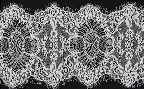 Cathédrale de longueur CIL dentelle bord Mantilla par designourlife