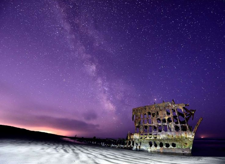 Milky Way glows behind Peter Iredale Wreck, Fort Stevens State Park, Oregon, America - 07 May 2016 T... - ddp USA/REX/Shutterstock/Rex Images