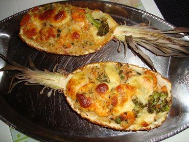 Receita de Camarão no abacaxi - Tudo Gostoso